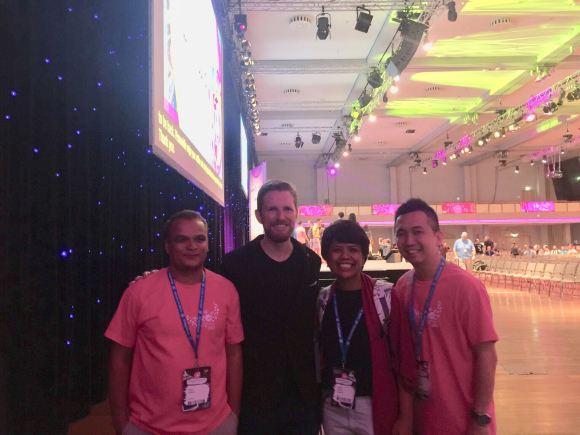 Bersama Matt Mullenweg dan relawan WCEU 2019 yang juga penyelenggara WC Asia 2020
